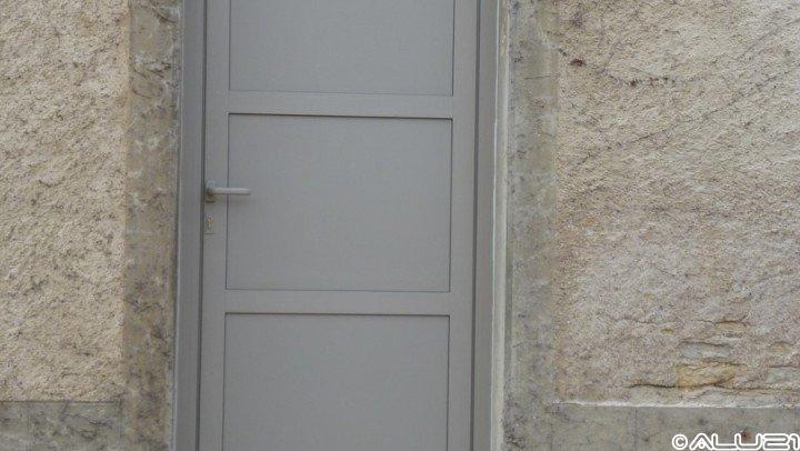 Porte d'entrée réalisée à Rouvres en plaine